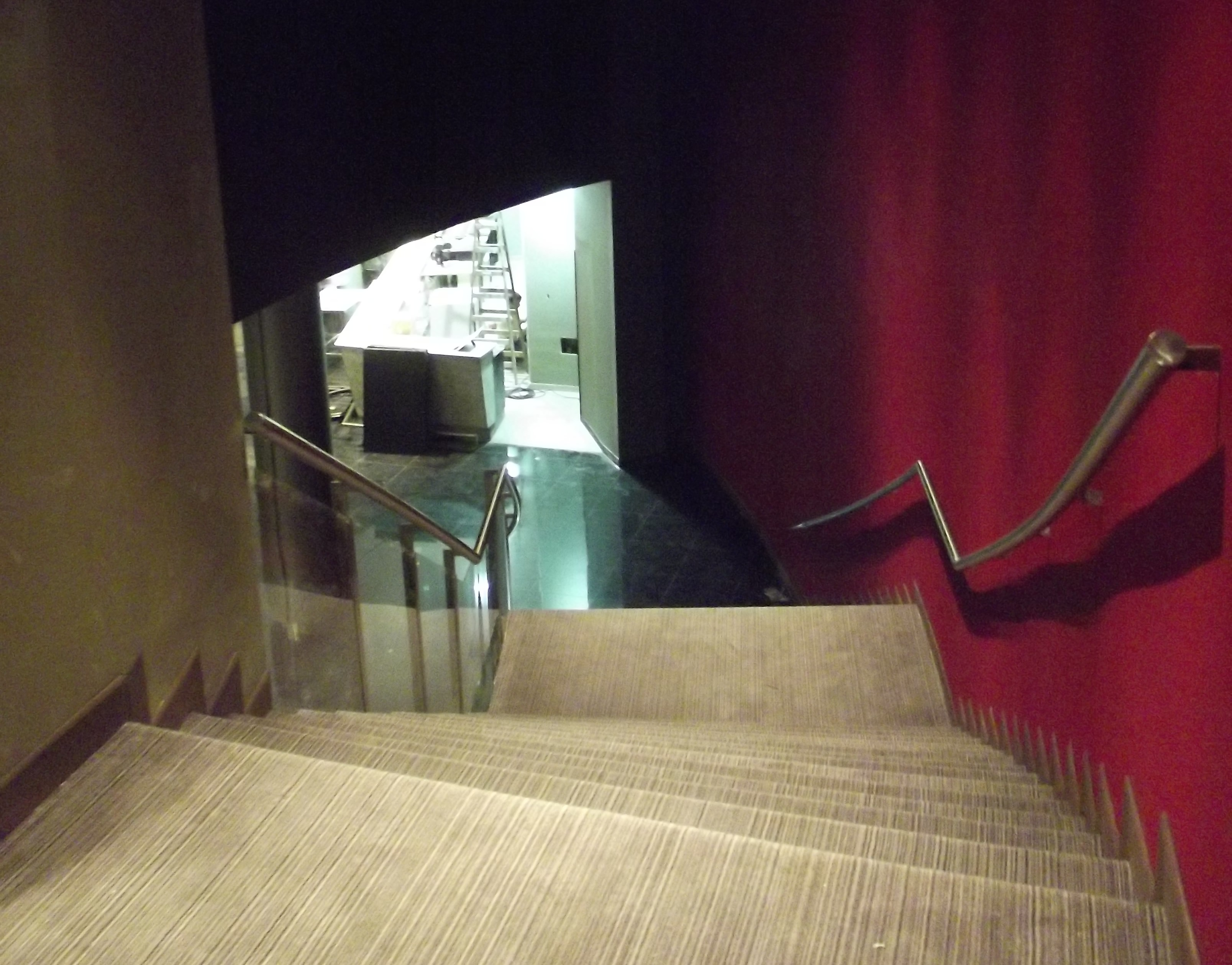 DOBILIA SA Construcciones - Hoyts Unicenter Premium - Escalera Principal